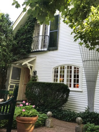 The Charlotte Inn : View from Private Garden