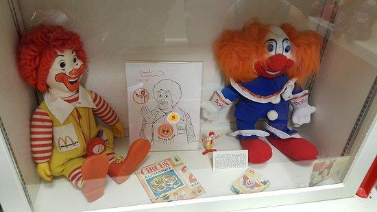 Plainview, เนบราสก้า: Klown Doll Museum - surround yourself!