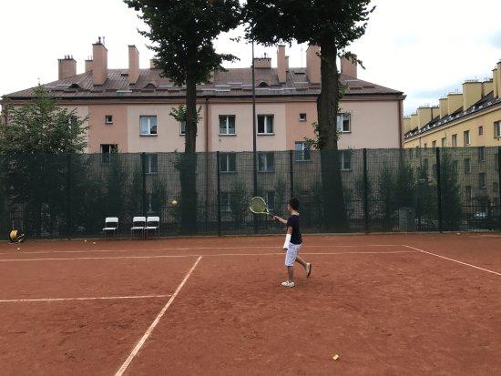 Lancut, بولندا: テニスコート