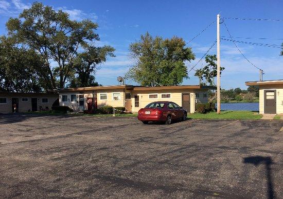 Driftwood Motel Beloit Wisconsin Picture Of Driftwood Motel Beloit Tripadvisor