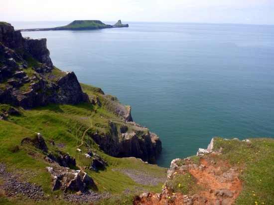 Rhossili Bay: Worms Head.......can be accessed for only a few hours per day due to tides