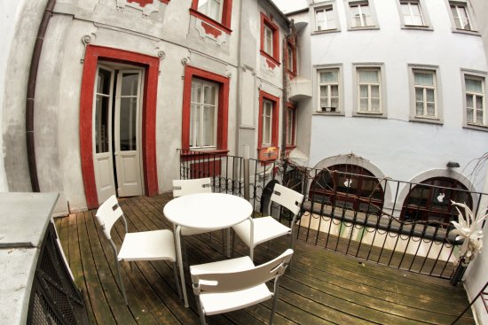 Homer updated 2017 hostel reviews price comparison for Design hotel jewel prague tripadvisor