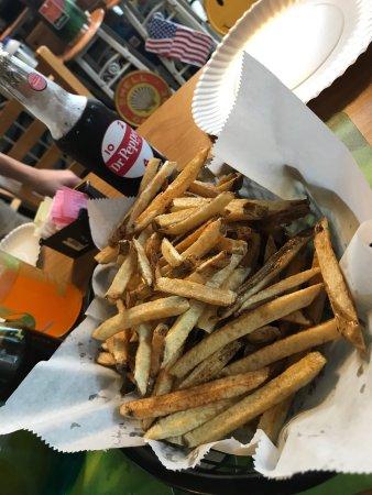 Hunt's Battlefield Fries & Cafe': photo0.jpg