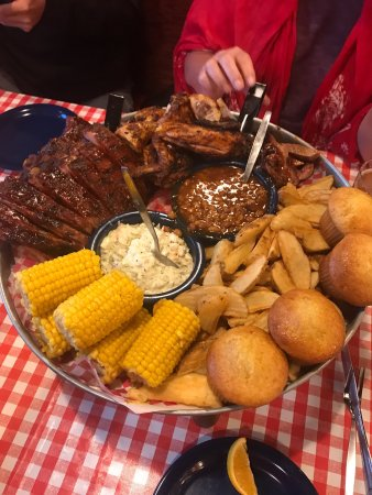 Famous Dave's: photo0.jpg