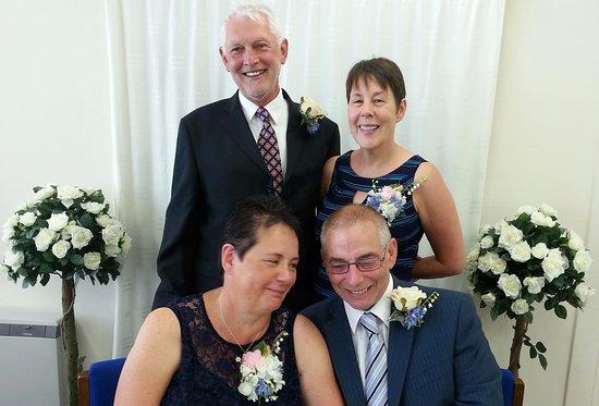 Penmaenpool, UK: The wedding party