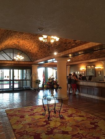 MCM Eleganté Hotel - Hotels in Beaumont TX