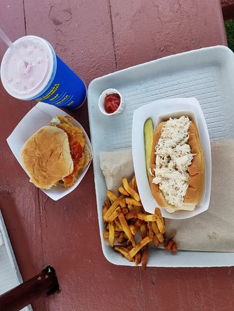 Days Crabmeat and Lobster: Crab roll and fish sandwich