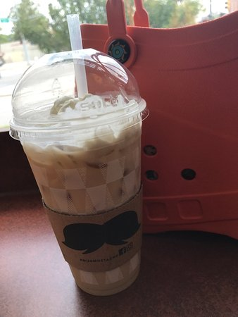 Urbana, IL: Iced Vanilla hazelnut latte ...... yum