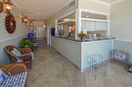 Mariner Inn: Hotel Lobby