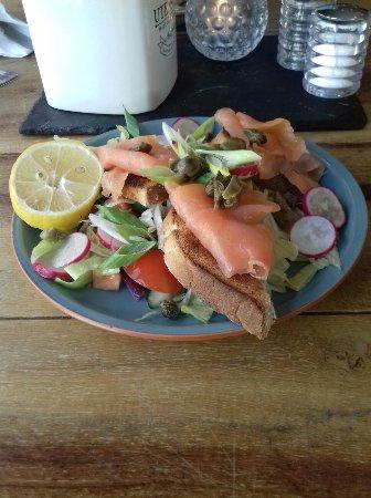 Cottingham, UK: starter of salmon and dough bread with frsh crisp lettuce