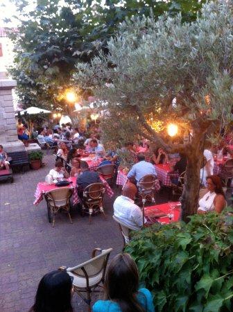 A Piazzetta: Sa terrasse <3