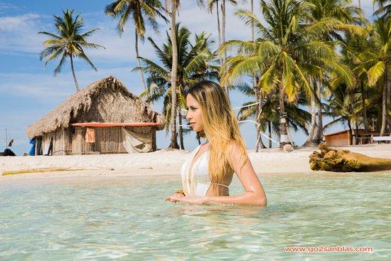 Las Cumbres, Panama: Isla Assudub Bibbi (Isla Perro Chico) con nuestra amiga Marissa Careño