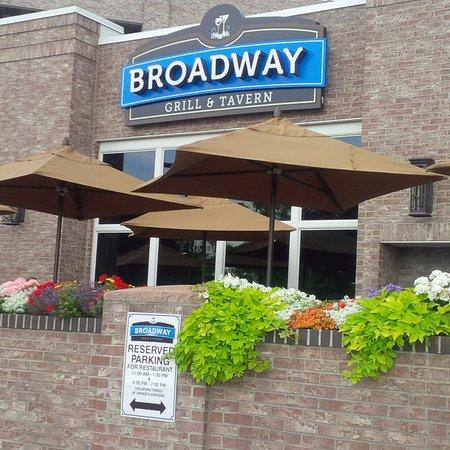 Broadway Grill & Tavern, Bismarck - Restaurant Reviews ...