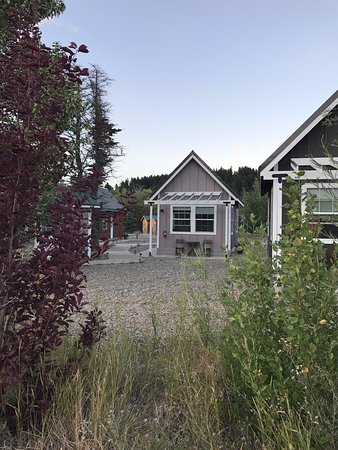 St Mary Lodge & Resort: Tiny house village with view