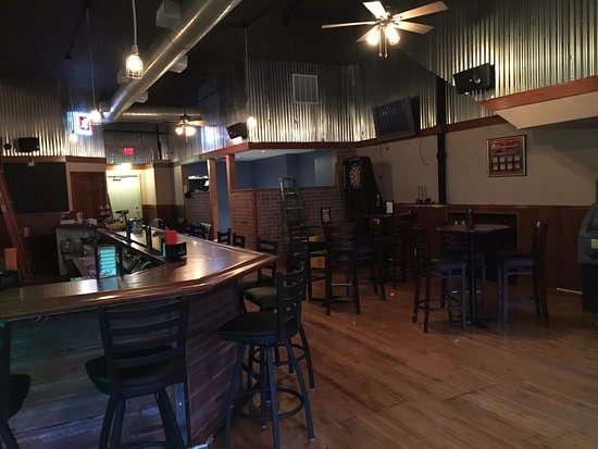Peotone, IL: South side of the bar