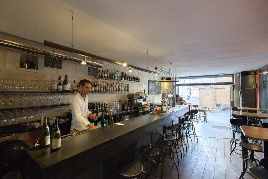 La Reserve : le bar..