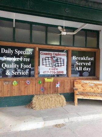 Seneca, MO: Window at Country Cupboard Cafe