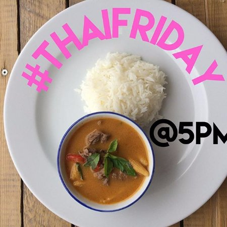 Fall River, Canadá: Fresh authentic thai food from 5pm every friday night. Eat in or take home