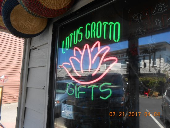 Bandon, OR: Lotus Grotto Gifts