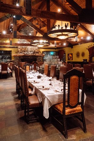 Pomp at The Resort at Paws Up: Dining room
