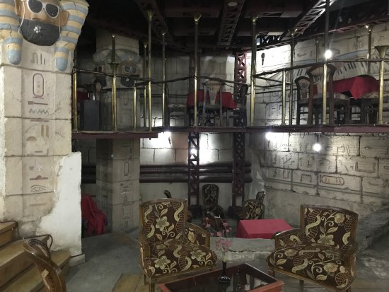 Gaddis Hotel, Suites and Apartments: King Dude II excavation bar.