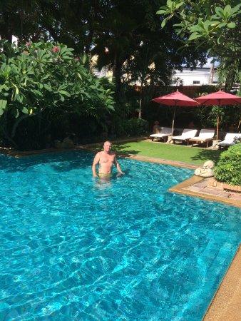 Patong Beach Hotel: photo1.jpg