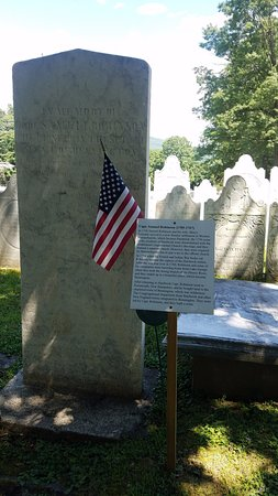 Bennington Centre Cemetery: Capt from the Revolutionary War and Prior!