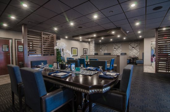 Liverpool, Estado de Nueva York: Blue Spruce Lounge