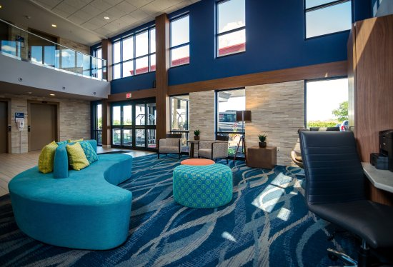 Maplewood Suites Extended Stay - Syracuse/Airport: 24-Hour Business Center located in Lobby