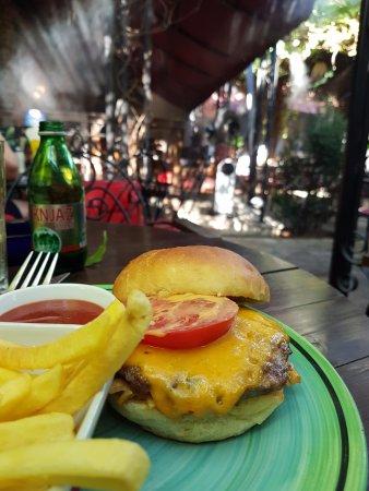 Villa Maska: Burger