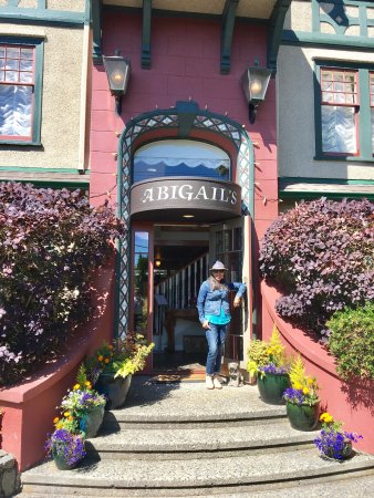 Abigail's Hotel: photo1.jpg