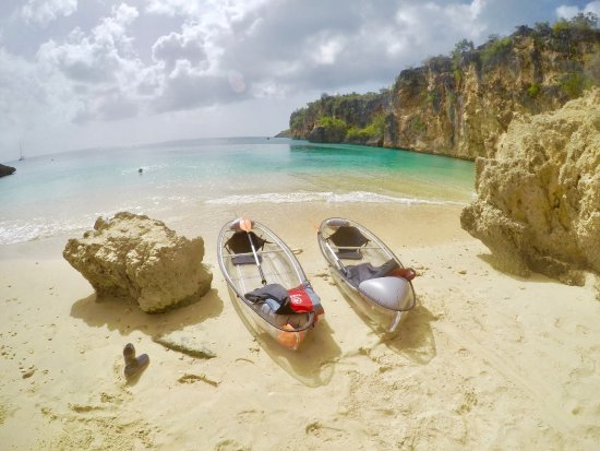 Island Harbour, Anguilla: Day Tours to Little Bay