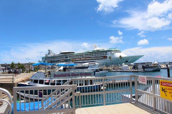 Hamilton, Bermuda: Ferry entrance at the Dockyard