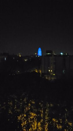 Travelodge Barcelona Poblenou : Night view from the room on the 5th floor