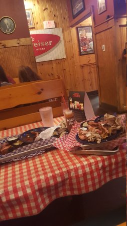 Famous Dave's: 20170728_191933_large.jpg