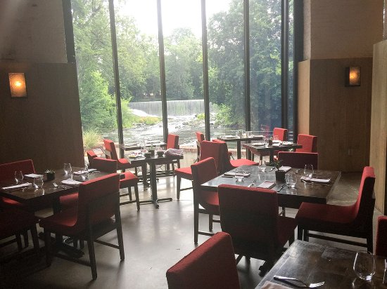 The Roundhouse: View of falls from breakfast / dining room