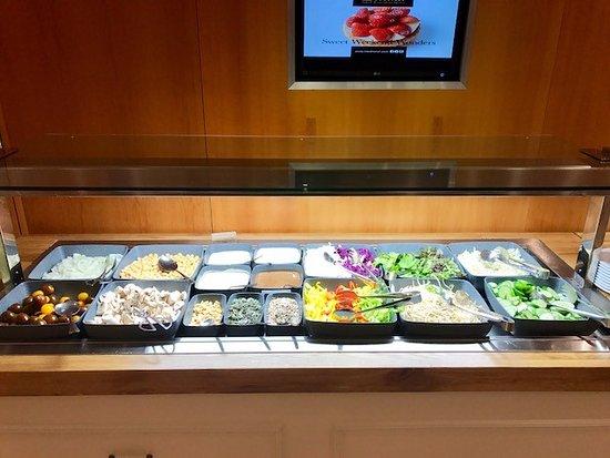 Inbal Jerusalem Hotel: Plenty of fresh veggie options