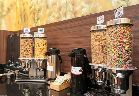 Vernon, Canada: Breakfast Buffet – Cereal