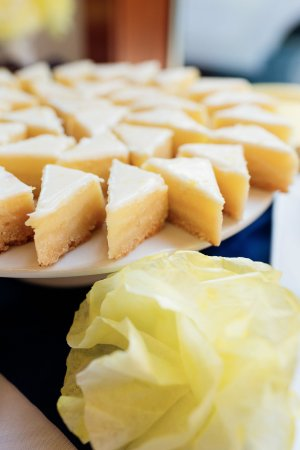 Pure Bliss: Lemon bar bites