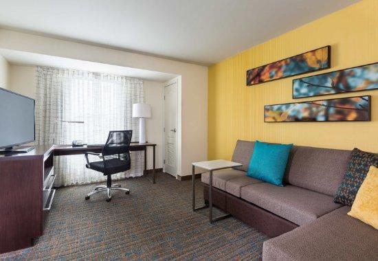 ไนล์, โอไฮโอ: One-Bedroom - Suite Living Area