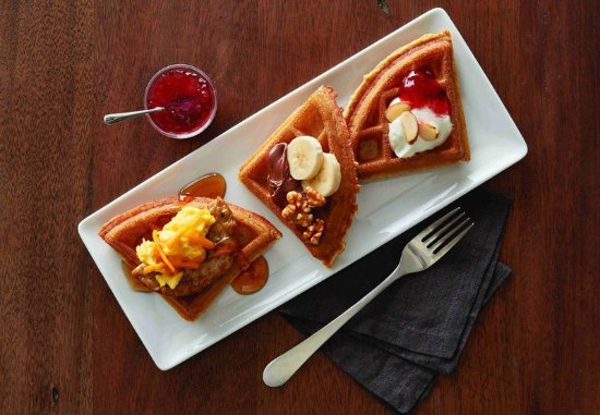 SpringHill Suites Williamsburg: Waffle Perfection