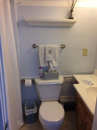 Enfield, NH: room 4 bathroom