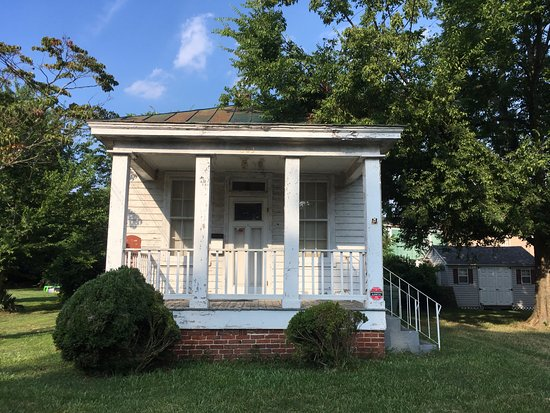 Hopewell, VA: quiet historic neighborhood within walking distance of the NPS General Grant's HQ/City Point