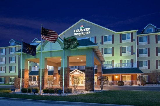 Country Inn & Suites By Carlson, Indianapolis Airport South, IN: CISIndianapolis Airport Exterior Dusk