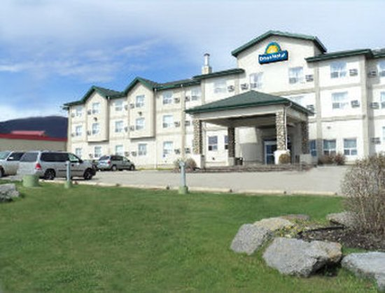 Welcome to the Days Hotel and Suites Grande Cache