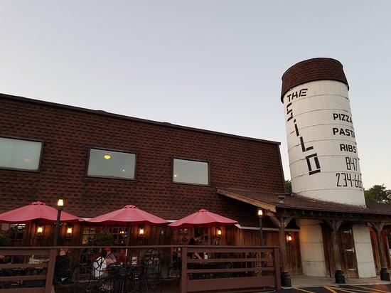 Lake Bluff, IL: Silo Pizza