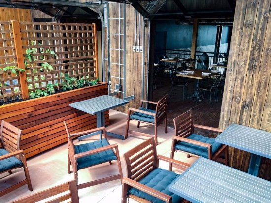 Prince George, Canada: rooftop patio