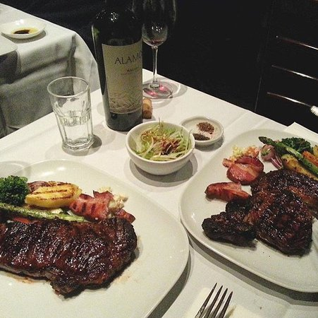 Форт-Ли, Нью-Джерси: Don't have any plans for the weekend? Grab a friend and come join us for the BEST steak you'll e