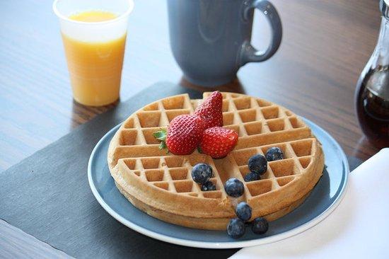 Comfort Inn Boucherville : Delicious Waffles