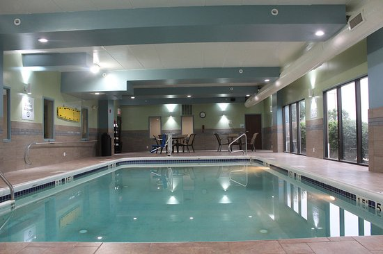 Wilmington, Ohio: How about swimming some laps in our heated pool?